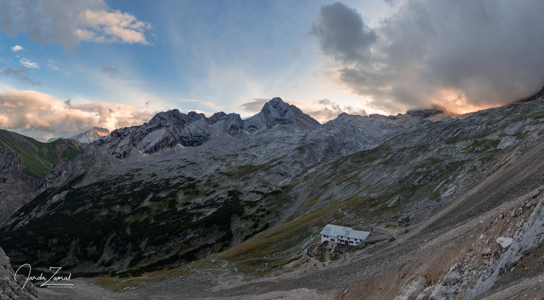 Knorrhütte just before sunset